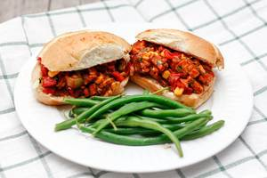 Sloppy Joe Hamburger mit Brechbohnen