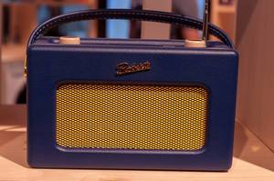 Smart Radio Revival iStream3 in leuchtenden Farben von Roberts Radio