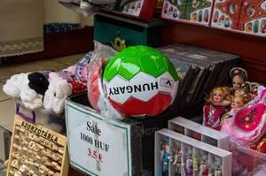 Souvenir-Shop in der für Städtereisen beliebten ungarischen Hauptstadt Budapest