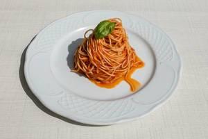 Spaghetti auf neapolitanische Art