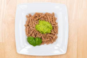 Spelt Pasta with self-made green Pesto