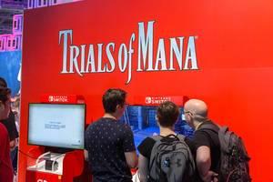 Spielefans auf der Gamescom testen Trials of Mana auf der Nintendo Switch