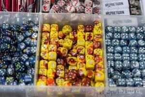 Spielwürfel verschiedener Farben