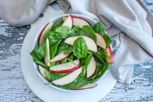 Spinach and Apple Salad  (Flip 2019) (Flip 2019)