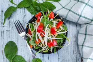 Spinach with Bean Sprout and Pepper in a Bowl  (Flip 2019) (Flip 2019)