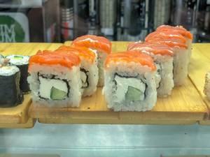 Square maki sushi hybrid