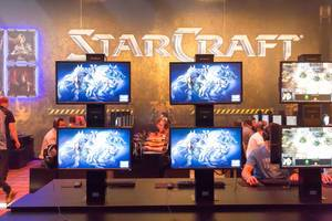 Starcraft II am Messestand von Activision Blizzard - Gamescom 2017, Köln