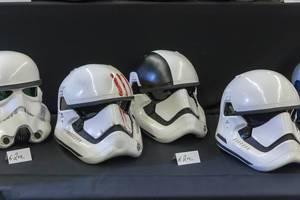 Storm Trooper Helme in verschiedenen Ausführungen