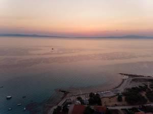 Strand in Afitos am frühen Abend