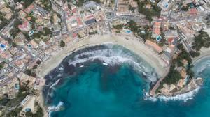 Strand in Peguera, Mallorca aus der Vogelperspektive