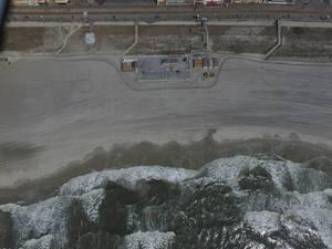 Strand und Fußgängerzone von Atlantic City aus der Vogelperspektive (Drohnenfoto), USA