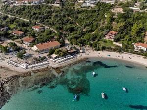 Strand und Umgebung in Afitos, Griechenland