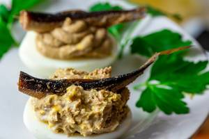 Stuffed eggs with pate and fish