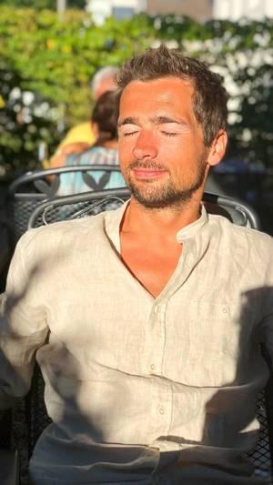 Sun bathing / Sonnenbaden