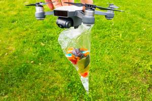 Süßigkeiten-Lieferung per Drohne (fast wie Amazon Prime Air)