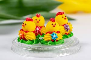 Sweets in the shape of yellow chickens, close -up