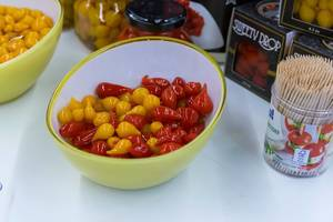 Sweety Drop: yellow and red tear-shaped miniature peppers from the Peruvian Amazon