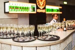 Table Of Fille Champagne Glasses On The Restaurant (Flip 2020)