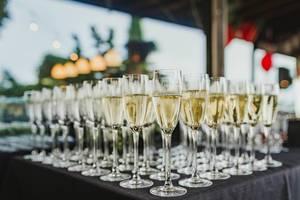Table Of  Freshly Filled Champagne Glasses (Flip 2019)