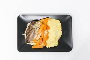 Tafelspitz mit Karottenstreifen und Kartoffelpüree in Soße von Eat Simple