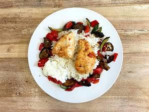 Tandoori-Chicken mit Churri, gegrillter Zucchini, Paprika und indischem Duftreis