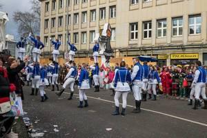 Tanzkorps von Große Braunsfelder beim Rosenmontagszug - Kölner Karneval 2018