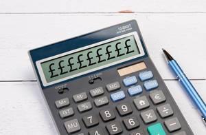 Taschenrechner zeigt Britische Pfund-Symbole