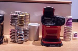 Tassimo Kaffeemaschine mit unterschiedlichen Kapseln