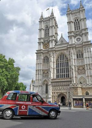 Taxi vor Westminster Abbey