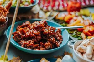 Teller mit Rindfleisch