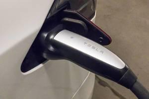 Tesla beim Laden