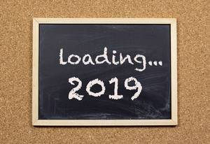 Text loading 2019 on chalkboard
