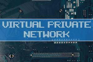 Text Virtual Private Network vor einer elektronischen Leiterplatte als Hintergrund