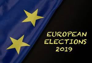 Text zur Europawahl 2019 mit Flagge der Europäischen Union