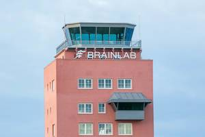 The Brainlab Tower: Das Hauptquartier von Medizintechnikführer Brainlab AG inmitten der Münchner Messestadt