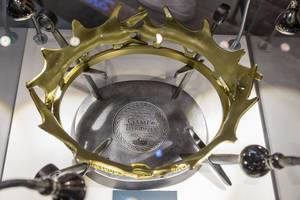 The Royal Crown of King Robert Baratheon Limited Edition Prop Replica at Gamescom