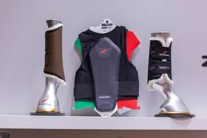 Therapeutische Stiefel für Pferde und Reiter-Schutzkleidung von Zandona