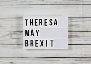 Theresa May und der Brexit - Auf sie mit Gebrüll