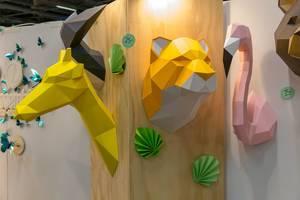 Tierköpfe aus Papier als Wanddekoration zum selber basteln, falten und kleben aus gedruckter Vorlage