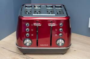Toaster von Morphy Richards mit vier Schlitzen