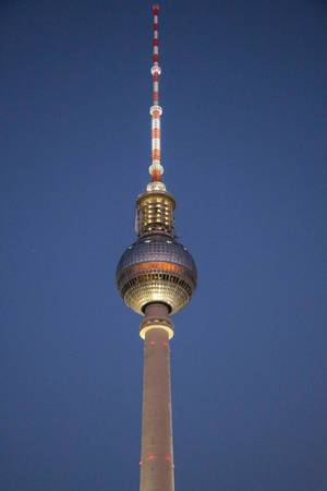 Top of the Berliner Fernsehturm at night