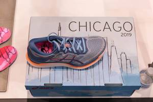 Top view of asics GlideRide running shoe with guidesole technology in Chicago marathon 2019 design