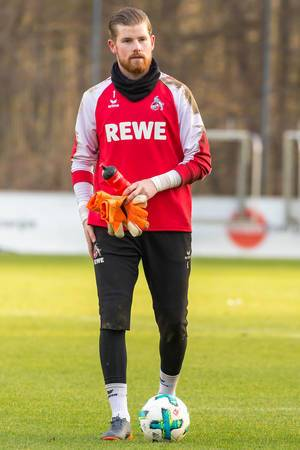 Torwart Timo Horn beim Training am 30.01.2018