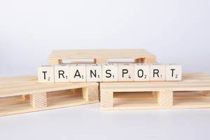 Transport text on wooden pallets
