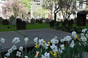 Trinity Church Friedhof mit Grabstein von Lewis Allaire Scott in New York City, USA