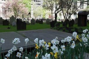 Trinity Church Friedhof mit Grabstein von Lewis Allaire Scott in New York City, USA