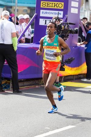 Tsegaye Mekonnen  (Marathon Finale) bei den  IAAF Leichtathletik-Weltmeisterschaften 2017 in London