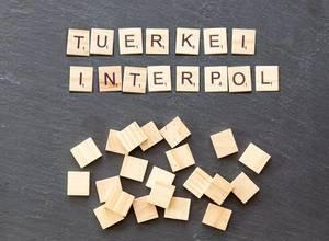 Türkei will Dündar auf Interpol-Fahndungsliste setzen