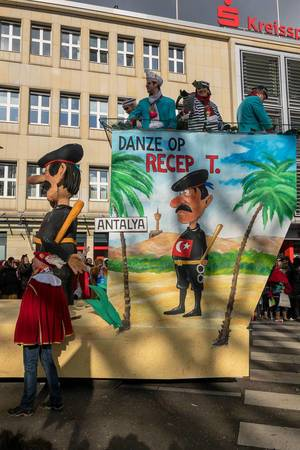 Türkischer President Erdogan bekommt seinen Teil ab - Kölner Karneval 2018