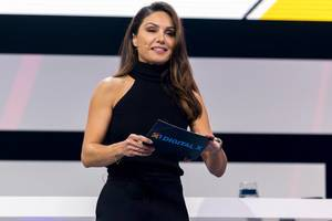 TV celebrity Nazan Eckes dressed in black on the stage of the Digital X event in Cologne